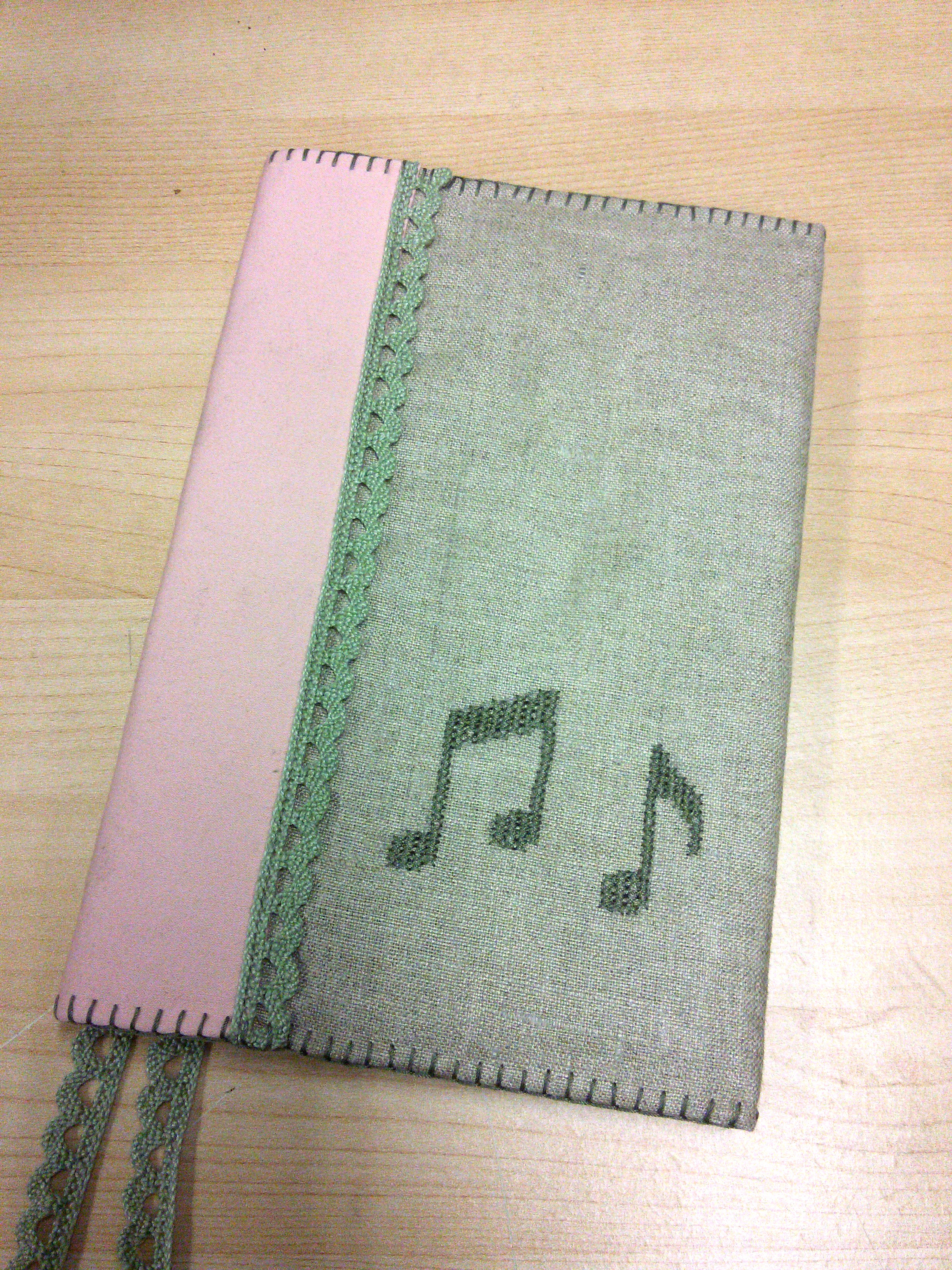 A photo of my songbook's cover.